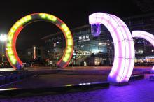 夜の釜山駅前広場